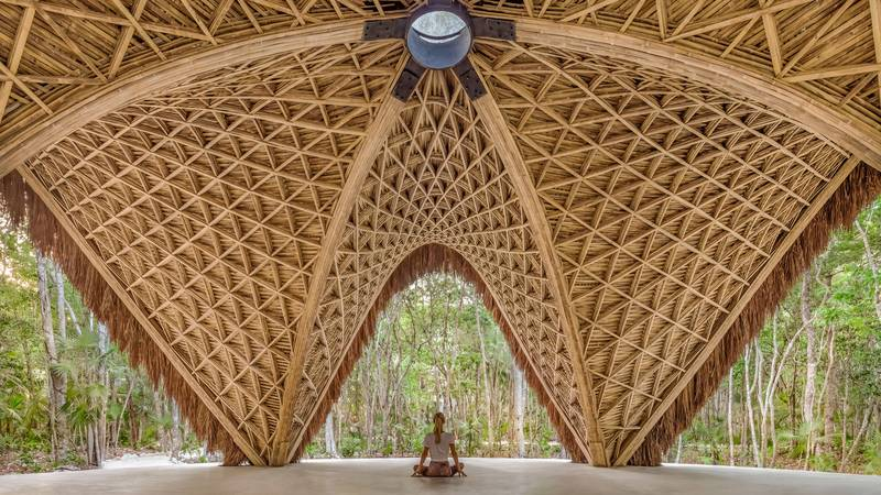 CO-LAB Design Office creează un pavilion de yoga din bambus în Tulum